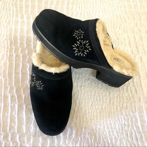 Ugg black suede leather shearling slip on mules 11